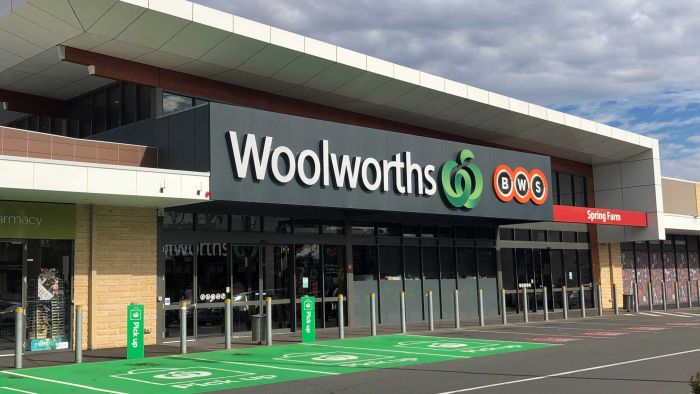 Coronavirus case increase sees Woolworths encourage masks in NSW, ACT and some Queensland stores