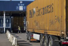 Tories Defend Brexit Border Plans as Industry Warns of Chaos