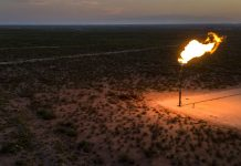 Investment Giants Urge Texas to End Most Natural Gas Flaring